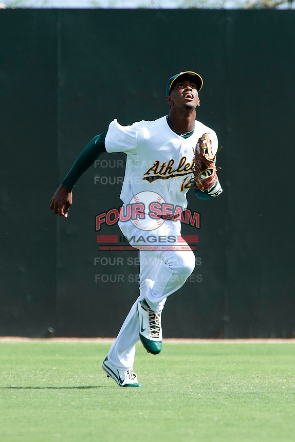 Oakland Athletics minor league outfielder Shawn Duinkerk #18 during an instructional league game against the Arizona Diamondbacks at the Papago Park Baseball Complex on October 11, 2012 in Phoenix, Arizona. (Mike Janes/Four Seam Images)