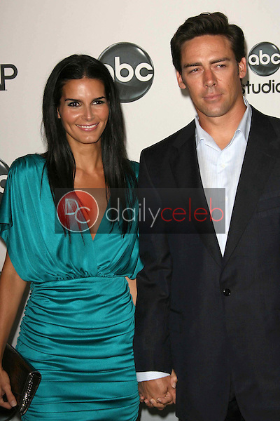 Angie Harmon and Jason Sehorn<br />