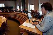 Leeuwarden, 16 september 2010 - Het Provinciaal Bestuurlijk Overleg Water (PBOW) informeerde de waterwethouders van Fryslân in het stadhuis van Leeuwarden over de grote waterthema's en ontwikkelingen. Ook werd ingegaan op de noodzaak tot samenwerking, zoals neergelegd in het Bestuursakkoord 'Samenwerking in de waterketen'.