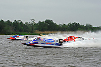 Tim Seebold (#16) leads the field to the first turn in Saturday's heat race.   (Formula 1/F1/Champ class)