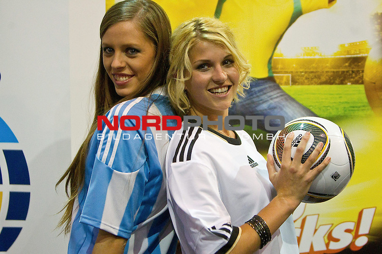 30.06.2010, Nelson Mandela Square, Johannesburg, RSA, FIFA WM 2010, Miss World Penalty Shootout im Bild Miss Argentina Mae Screlkove and Miss Germany Maike Frohlingsdorf as Miss World contestants from the quarter finals FIFA World Cup 2010 at AIPS glamour event,  Foto: nph /   Vid Ponikvar, ATTENTION! Slovenia OUT *** Local Caption *** Fotos sind ohne vorherigen schriftliche Zustimmung ausschliesslich f&uuml;r redaktionelle Publikationszwecke zu verwenden.<br /> <br /> Auf Anfrage in hoeherer Qualitaet/Aufloesung