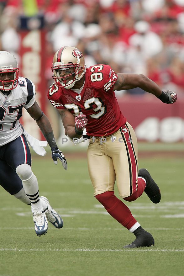 ARNAZ BATTLE, of the San Francisco 49ers  in action against the New England Patriots during the 49ers game in San Francisco, California on October 30, 2008..Patrioits win 30-21