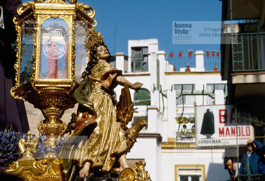 - Seville, procession of holy Friday of Easter....- Siviglia, processione del venerdì santo di Pasqua
