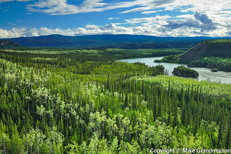 Five Fingers Rapids lookout on the Yukon River and the Dawson Range<br /> near Carmacks<br /> Yukon<br /> Canada