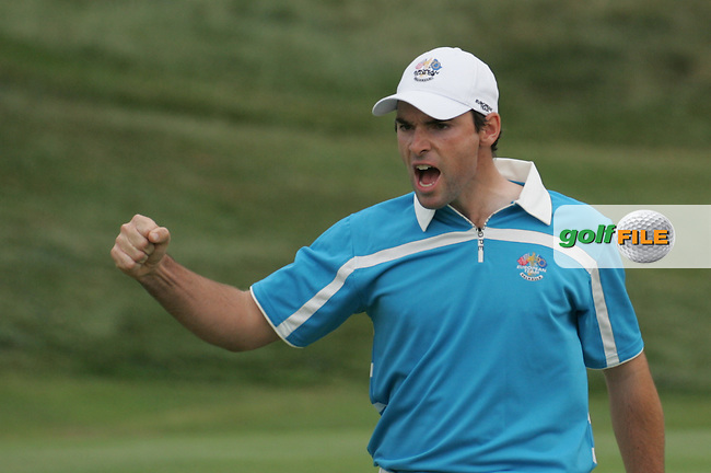 Oliver Wilson celebrates the winning putt on the 17th hole in Saturday foursomes at the 37th Ryder Cup at Valhalla Golf Club, Louisville, Kentucky, USA - 20th September 2008 (Photo by Manus O'Reilly/GOLFFILE)