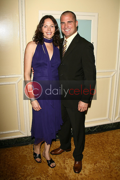 Jorja Fox and George Eads<br />at The Museum of Television & Radio's Annual Los Angeles Gala. Regent Beverly Wilshire Hotel, Beverly Hills, CA. 10-30-06<br />Dave Edwards/DailyCeleb.com 818-249-4998