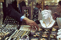 Vereinigte arabische Emirate (VAE, UAE), Dubai, Gold Souk in Deira