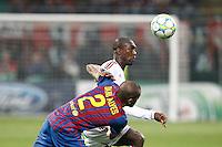 MILANO 28 MARZO 2012, MILAN - BARCELLONA,QUARTI DI FINALE UEFA CHAMPIONS LEAGUE 2011 - 2012, NELLA FOTO: SEEDORF - DANIEL ALVES , FOTO DI ROBERTO TOGNONI.