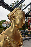 Büste Gräfin Jeanette Caroline von Alopäus, 1783-1869, Neues Schloss im Fürst Pückler Park, Bad Muskau, Sachsen, Deutschland, Europa, UNESCO-Weltkulturerbe<br /> Bust of countess Jeanettevon Alopäus, New Palace in Fürst Pückler Park, Bad Muskau, Saxony, Germany, Europe, UNESCO-World Heritage