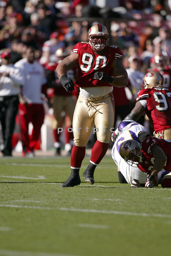 ISAAC SOPOAGA, of the San Francisco 49ers  in action during the 49ers game against the Minnesota Vikings on December 9, 2007 in San Francisco, California...VIKINGS win 27-7..SportPics