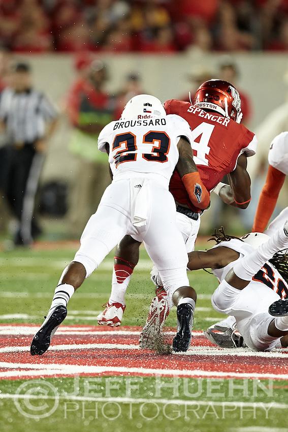 HOUSTON, TX - AUGUST 29, 2014: The University of Texas at San Antonio Roadrunners Football team defeats the University of Houston Cougars 27-7 in the inaugural game at the new TDECU Stadium. (Photo by Jeff Huehn)
