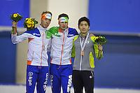 SCHAATSEN: CALGARY: Olympic Oval, 10-11-2013, Essent ISU World Cup, podium 5000m, Jorrit Bergsma (NED), Sven Kramer (NED), Seung-Hoon Lee (KOR), ©foto Martin de Jong