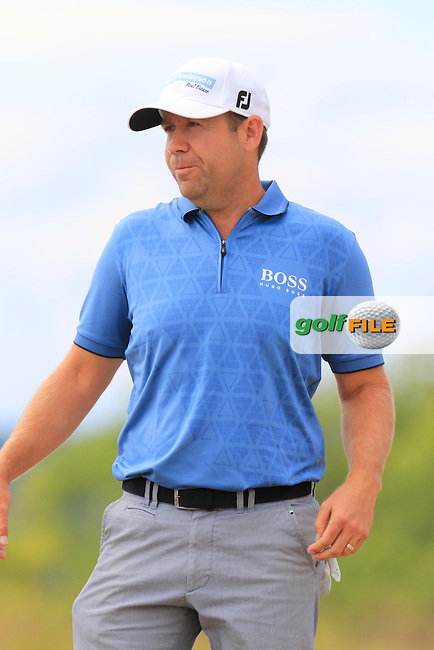 Erik Compton (USA) on the 4th tee during Thursday's Round 1 of the 2015 U.S. Open 115th National Championship held at Chambers Bay, Seattle, Washington, USA. 6/18/2015.<br /> Picture: Golffile | Eoin Clarke<br /> <br /> <br /> <br /> <br /> All photo usage must carry mandatory copyright credit (&copy; Golffile | Eoin Clarke)