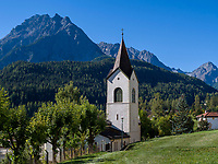 spätgotische Kirche  St. Georg  Unterdorf, Scuol, Unterengadin, Graubünden, Schweiz, Europa<br /> late Gothic Church St. George, Scuol Unterdorf,  Scuol Valley, Engadine, Grisons, Switzerland