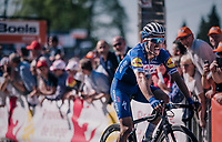 Julian Alaphilippe (FRA/Quick Step Floors) wins the final battle (and thus the race) up the Mur de Huy<br /> <br /> 82nd Fl&egrave;che Wallonne 2018 (1.UWT)<br /> 1 Day Race: Seraing - Huy (198km)