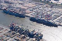 4415/Containerhafen: EUROPA, DEUTSCHLAND, HAMBURG 09.09.2004:Containerhafen Burchardkai, Waltershofer Hafen, Predoehlkai, Eurokai, HHLA, Container Terminal Burchardkai, Waltershof, Hambureg Hafen,  Export, Wirtschaft,  Luftbild, Luftansicht