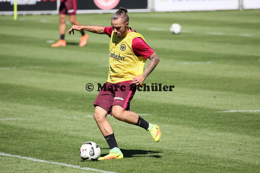 Yanni Regäsel (Eintracht Frankfurt) - Eintracht Frankfurt Training, Commerzbank Arena