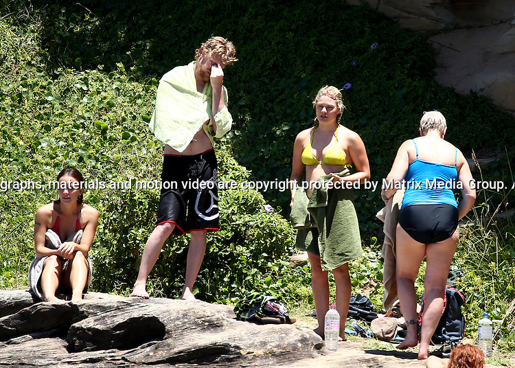 14 DECEMBER 2014 SYDNEY AUSTRALIA<br /> <br /> EXCLUSIVE PICTURES <br /> <br /> Bonnie Sveen pictured with some friends enjoying a swim at Gordon's Bay and later taking a long walk to Tamarama and back.<br /> <br /> *No web use without clearance*.<br /> MUST CONTACT PRIOR TO USE <br /> +61 2 9211-1088. <br /> <br /> Matrix Media Group.Note: All editorial images subject to the following: For editorial use only. Additional clearance required for commercial, wireless, internet or promotional use.Images may not be altered or modified. Matrix Media Group makes no representations or warranties regarding names, trademarks or logos appearing in the images.