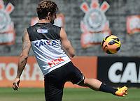 SÃO PAULO,SP, 14.09.2013 TREINO/CORINTHIANS/SP -Alexandre Pato   durante treino do Corinthians no CT Joaquim Grava na zona leste de Sao Paulo. (Foto: Alan Morici /Brazil Photo Press).