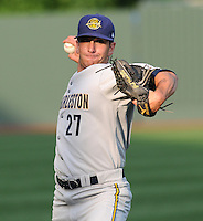 May 28, 2009: Pitcher Pat Venditte (27), professional baseball's only ambidextrous pitcher, of the Charleston RiverDogs, Class A affiliate of the New York Yankees, before a game against the Greenville Drive at Fluor Field at the West End in Greenville, S.C. Photo by: Tom Priddy/Four Seam Images