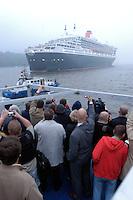 Deutschland, Hamburg, Queen Mary 2, Kreuzfahrtschiff,  Elbe, Besichtigungstour
