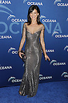 BEVERLY HILLS, CA- OCTOBER 30: Actress Perrey Reeves arrives at the Oceana Partners Award Gala With Former Secretary Of State Hillary Rodham Clinton and HBO CEO Richard Plepler at Regent Beverly Wilshire Hotel on October 30, 2013 in Beverly Hills, California.