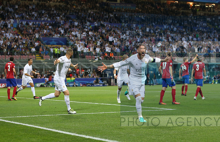 Sergio Ramos of Real Madrid celebrates scoring the first goal during the UEFA Champions League Final match at the  Giuseppe Meazza Stadium, Milan, Italy. Photo credit should read: David Klein/Sportimage