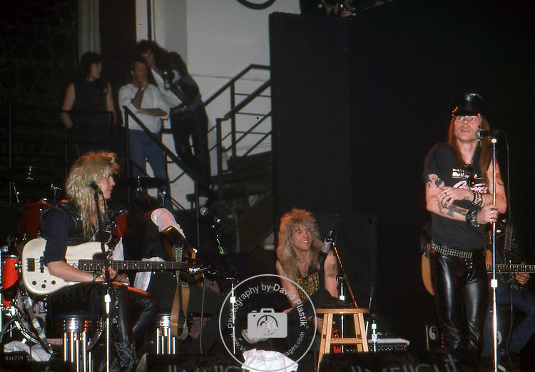 Guns-N-Roses-600.jpg