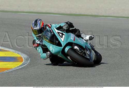 TROY CORSER (AUS), Foggy Petronas, during qualifying practice, Superbike World Championship Race, Ricardo Tormo Circuit, Valencia 030301 Photo:Neil Tingle/Action Plus ...2003  .man men superbikes motorcycle motorcycles bike bikes.     . ...  ..