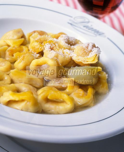 """Europe/Italie/Emilie-Romagne/Bologne : Tortelinis dans leur bouillon - Recette du restaurant """"Diana"""" via Independenza"""