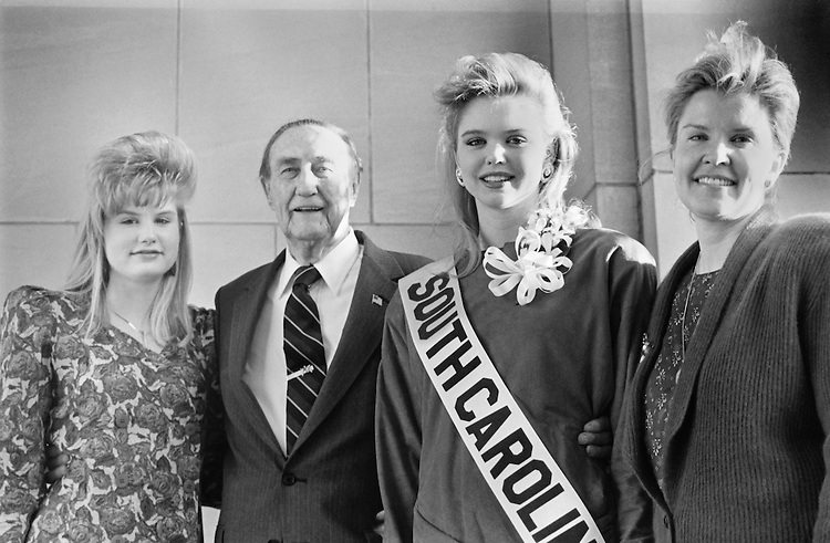 Sen. James Strom Thurmond, R-S.C., with his wife, Nancy Janice Moore, and daughter, Nancy. September 9, 1990  (Photo by Laura Patterson/CQ Roll Call)