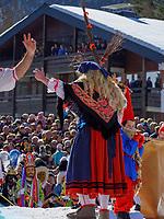 Hexen beim Kampf Fr&uuml;hling gegen Winter beim Nassereither Schellerlauf, Fasnacht in Nassereith, Bezirk Imst, Tirol, &Ouml;sterreich, Europa, immaterielles UNESCO Weltkulturerbe<br /> witches at fight winter against spring, , Nassereither Schellerlauf-Fasnacht, Nassereith, Tyrol, Austria Europe, Intangible World Heritage