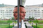 Foto: Gerrit de Heus. Den Haag. 25/06/05. Minister van Defensie Henk Kamp.