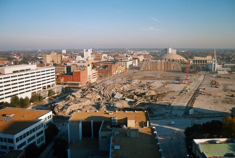 1996 November 24..Redevelopment..Macarthur Center.Downtown North (R-8)..SEQUENCE 25.IMPLOSION OF SMA TOWERS.LOOKING NORTH FROM ROOFTOP .OF MAIN TOWER EAST.PV3..NEG#.NRHA#..