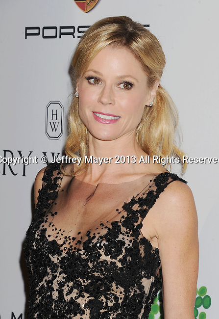 CULVER CITY, CA- NOVEMBER 09: Actress Julie Bowen arrives at the 2nd Annual Baby2Baby Gala at The Book Bindery on November 9, 2013 in Culver City, California.
