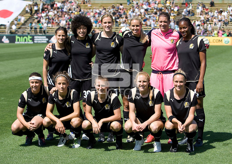 26 April 2009: FC Gold Pride Starting XI pose together for group photo before the game against Washington Freedom at Buck Shaw Stadium in Santa Clara, California.   Washington Freedom defeated FC Gold Pride, 4-3.