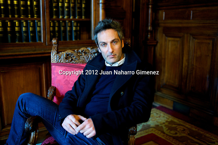 MADRID, MADRID - DECEMBER 17:  Ernesto Alterio poses during a portrait sesion at Casa America on December 17, 2012 in Madrid, Spain.  (Photo by Juan Naharro Gimenez)