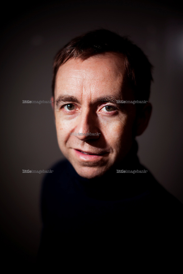 """Oslo, Norge, 22.10.2012. Dag Johan Haugerud har tidligere gitt ut tre romaner. Nå har han debutert med manus og regi på filmen """"Som du ser meg"""". Foto: Christopher Olssøn."""