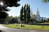 USA, California, San Francisco, people sit on the lawn and enjoy the afternoon, Washington Square Park