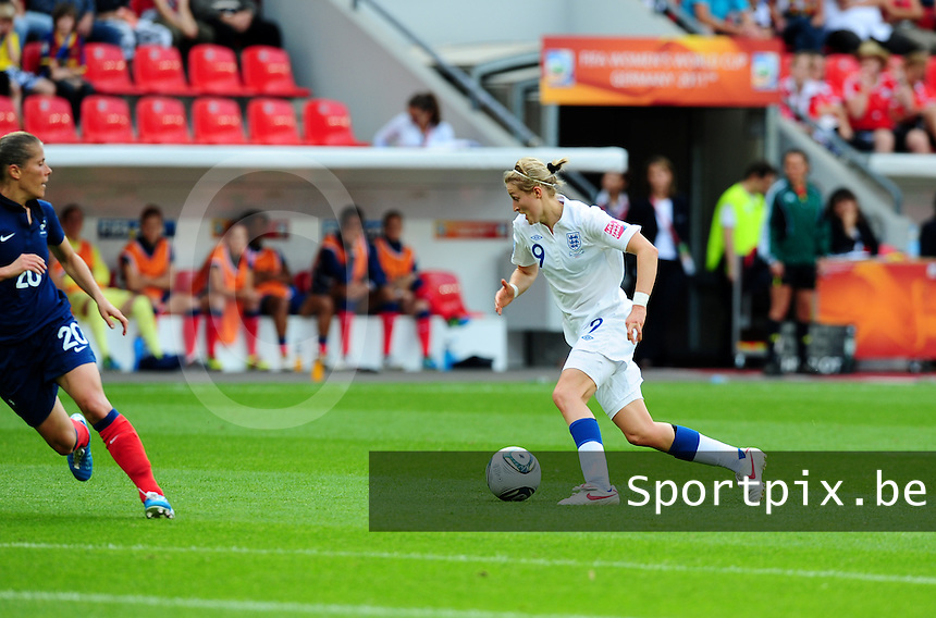 Fifa Women's World Cup Germany 2011 : England - France - at Leverkusen : Ellen White aan de bal.foto DAVID CATRY / Vrouwenteam.be