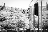 Bahnsurfing – für Jugendliche ist Zugfahren ein großer Spaß aber auch eine große Geduldsprobe.