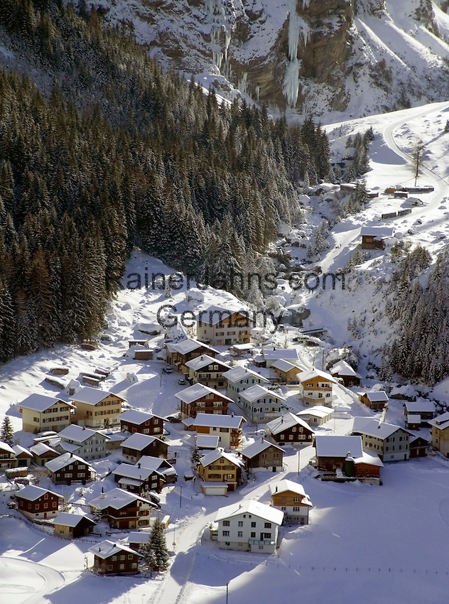 CH, Switzerland, Canton Uri, Unterschaechen at Schaechen Valley