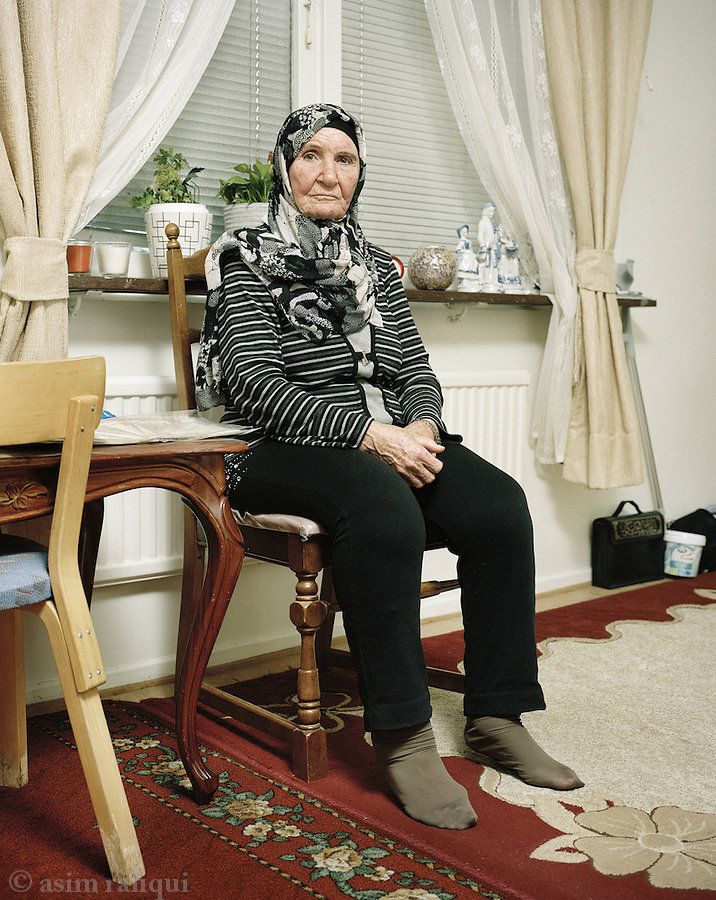 Samira Rustom<br /> Born 1939, from Safad, now living in a student dorm with her husband Walid Abbas<br /> Born 1931, from Tabaria, in room in Gothenburg
