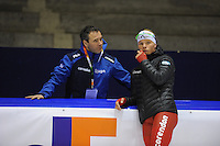 SCHAATSEN: HEERENVEEN: IJsstadion Thialf, 06-02-15, Training World Cup, Jan van Veen (trainer/coach Team Corendon), Koen Verweij, ©foto Martin de Jong