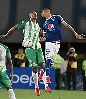 BOGOTA - COLOMBIA, 31-01-2018: Ayron del Valle (Der) jugador de Millonarios disputa el balón con Alexis Henriquez (Izq) jugador de Atlético Nacional durante partido partido por la final ida de la SuperLiga Aguila 2018jugado en el estadio Nemesio Camacho El Campin de la ciudad de Bogotá. / Ayron del Valle (R) player of Millonarios fights for the ball with Alexis Henriquez (L) player of Atletico Nacional during the first leg match for the final of the SuperLiga Aguila 2018played at the Nemesio Camacho El Campin Stadium in Bogota city. Photo: VizzorImage / Gabriel Aponte / Staff.