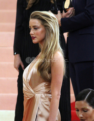 05 02 2016: Amber Heard at Manus X Machina: Fashion In An Age of Technology at Metropolitan Museum of Art in New York. Credit:RWMediaPunch