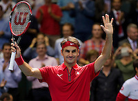 Switserland, Genève, September 18, 2015, Tennis,   Davis Cup, Switserland-Netherlands,  Swiss Roger Federer jubilates his win over Jesse Huta Galung and put Switserland in a comfortable 2-0 lead<br /> Photo: Tennisimages/Henk Koster