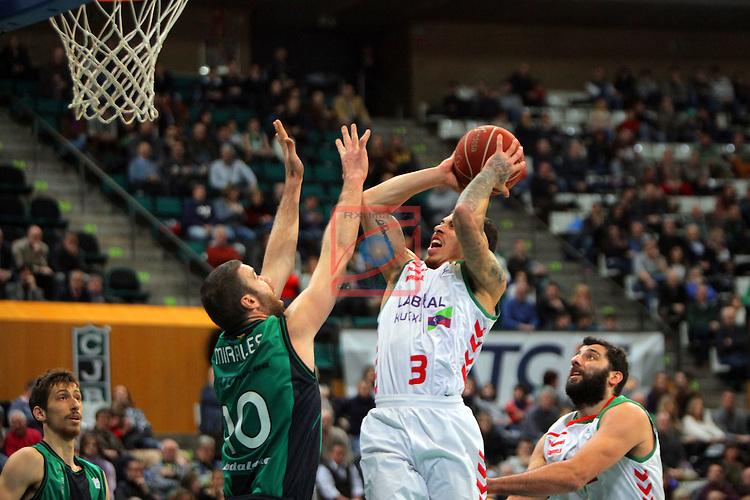 League ACB-Endesa 2015-2016. Game: 16.<br /> FIATC Joventut vs Laboral Kutxa Baskonia: 68-89.<br /> Albert Miralles vs Mike James.