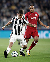Football Soccer: UEFA Champions League Juventus vs Olympiacos Allianz Stadium. Turin, Italy, September 27, 2017. <br /> Juventus' Paulo Dybala (l) in action with Olympiacos' Vadis Odjidja (r) during the Uefa Champions League football soccer match between Juventus and Olympiacos at Allianz Stadium in Turin, September 27, 2017.<br /> UPDATE IMAGES PRESS/Isabella Bonotto
