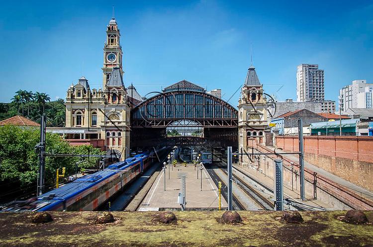 Estação da Luz - estação ferroviária multimodal - metro-ferroviária, que abriga o Museu da Língua Portuguesa - bairro da Luz, São Paulo -  SP, 04/2014.